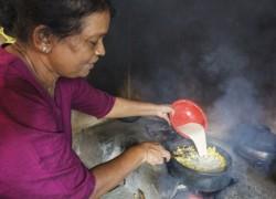 Indrani Jayasuriya, Bäuerin, Muruthange Farmer Group